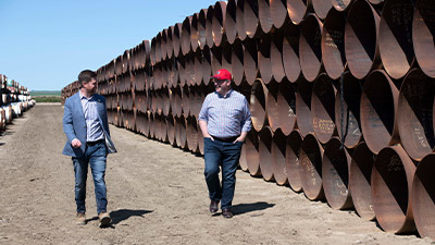keystone-xl-construction-kenney-prior-oyen-pipe-yard-400x225.jpg
