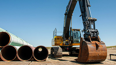 keystone-xl-construction-oyen-alberta-pipe-yard-2-400x225.jpg