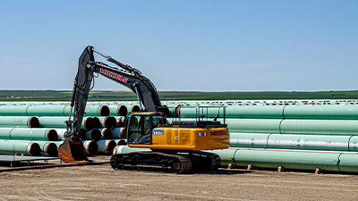 keystone-xl-construction-oyen-alberta-pipe-yard-400x225.jpg